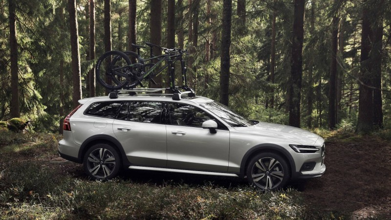 Volvo V60 Cross Country review by Fleet News